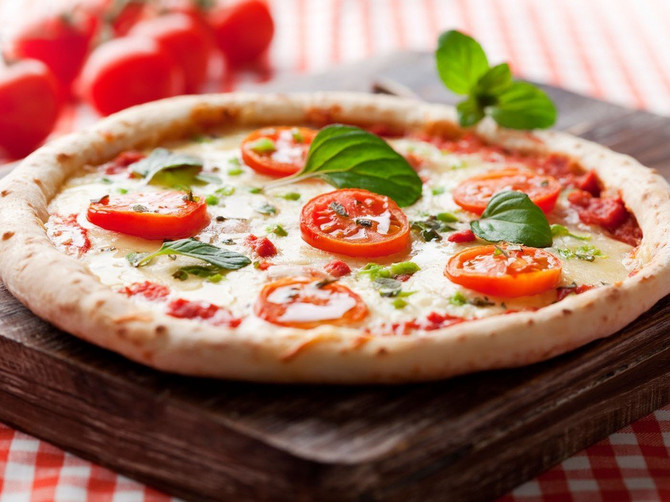 Pica napolitana je na Uneskovoj listi, a evo koja pravila treba da sledite da bi vam ispala baš kao u napolitanskoj piceriji!