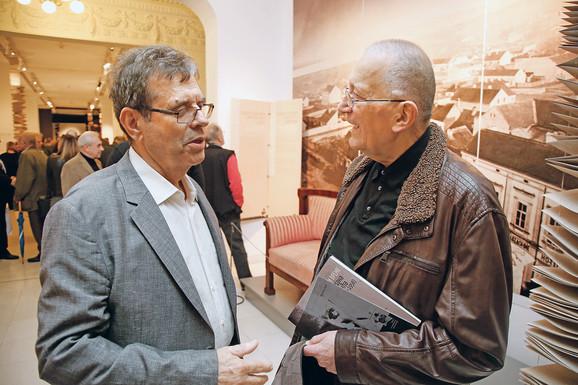 Otvaranju izložbe je prisustvovao i Vojislav Koštunica