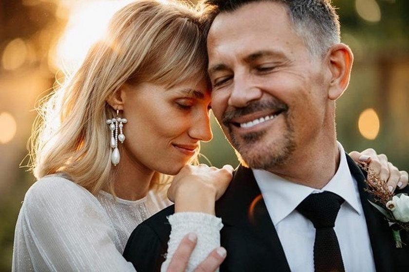 Krzysztof Ibisz od kilku tygodni jest mężem Joanny Kudzbalskiej. Teraz ujawnili szczegóły ich wesela