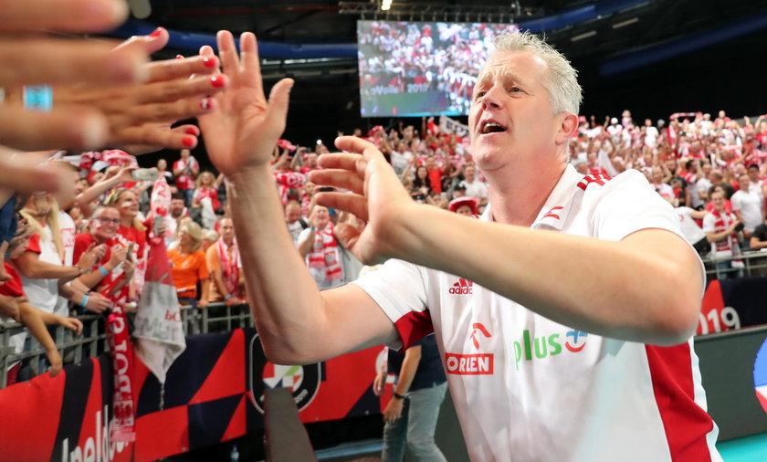 Vital Heynen oddał medal kibicowi