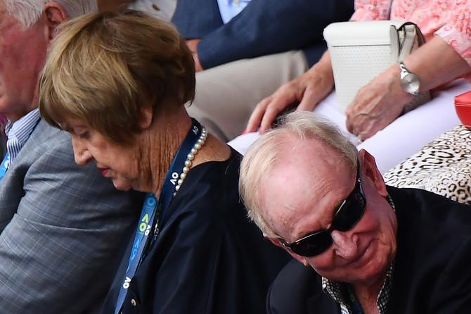 Novaka danas gledali bivši teniseri Australije Margaret Kort i  Rod Laver