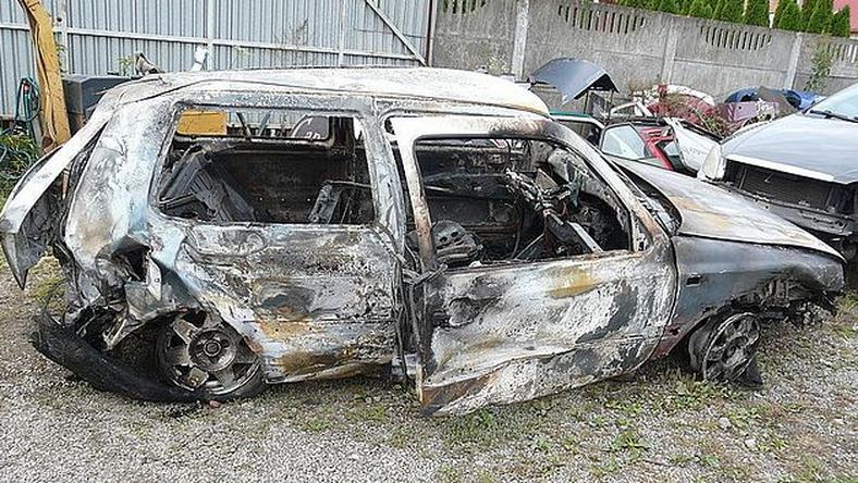 Wrak spalonego auta