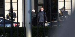 Kaczyński oglądał nowe miejsce pracy. Wchodził tylnym wejściem