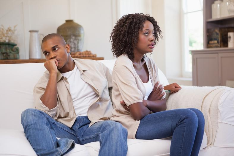 An angry black couple refusing to acknowledge each other. [Credit: The Rut]   5 lover's fights that don't have to end your relationship vWFktkpTURBXy9kNDQ3ODY2NjE1Y2RiNGJhNmFiOGRmNmQ3ODU3NjkxYy5qcGeSlQLNAxQAwsOVAgDNAvjCww