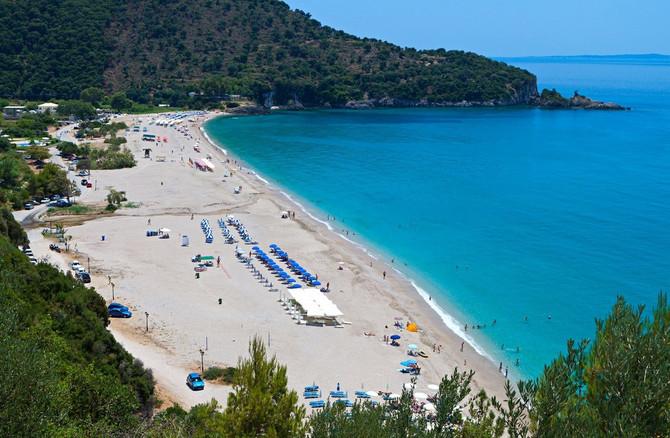 Do većine plaža, koje su zaista veoma lepe i netipične, može se doći čak i pešaka