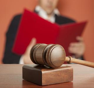 Poznań: Mężczyzna podpalił się podczas rozprawy rozwodowej