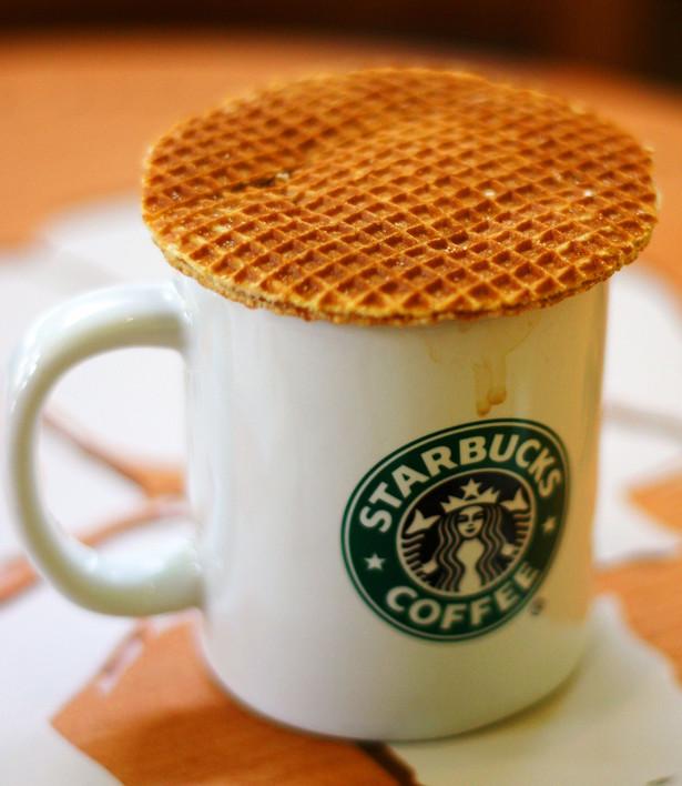 W USA sieć kawiarni Starbucks wysyła użytkownikom Foursquare, najpopularniejszego dziś serwisu geolokalizacyjnego, informacje o rabacie w wysokości 1 dol. na kawę w najbliższej kawiarni. fot. Leonid Mamchenkov/flickr.pl
