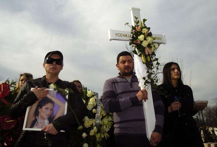 22910_pm-sahrana-ksenije-pajcin-0043