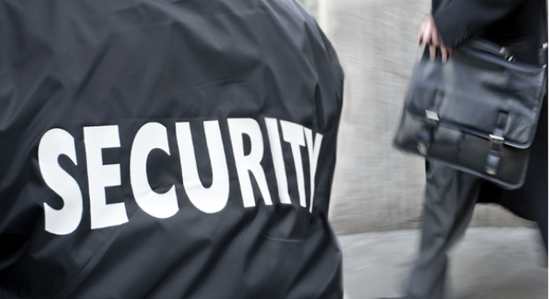 South Africa has more private security officers than police officials (businesstech)