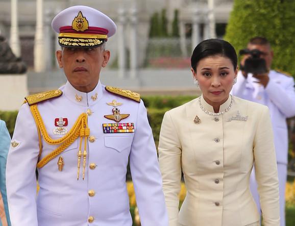 Kralj Maha Vadžiralongkorn i kraljica Sutida