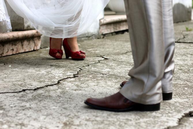 Jedna fotografija sa venčanja pokrenula brojne kritike