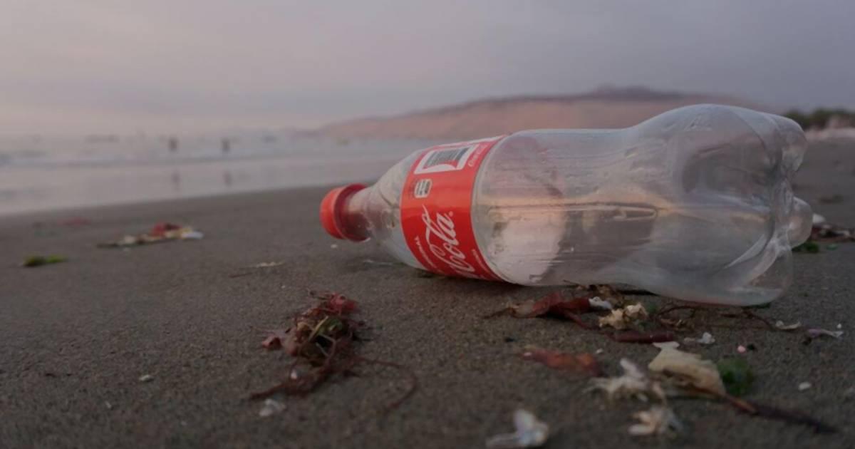Coca Cola stellt jetzt Flaschen aus recyceltem Meeres-Plastik her