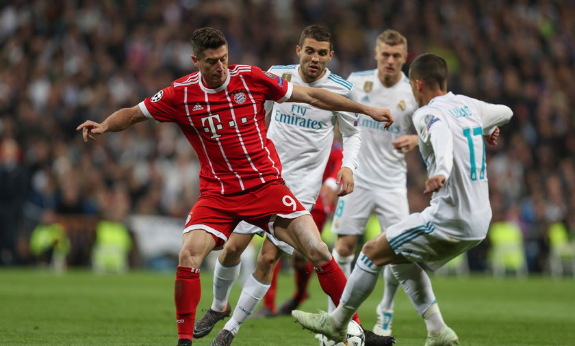 """W jednym z wywiadów Robert Lewandowski wspomniał, że kiedyś chciał grać dla """"Królewskich"""" i niektórzy Hiszpanie do dzisiaj żyją tą wypowiedzią napastnika Bayernu Monachium"""