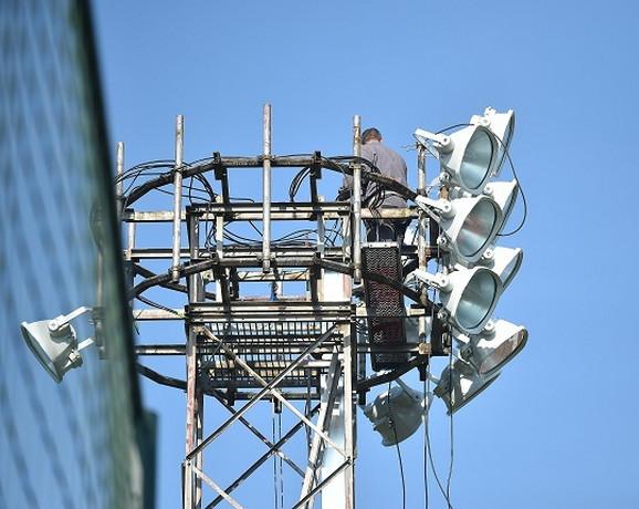 Nove reflektorske svetiljke na pomoćnom stadionu