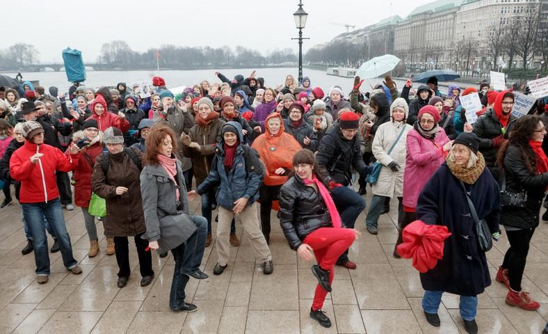 "Akcja ""One Billion Raising"". Hamburg, Niemcy"