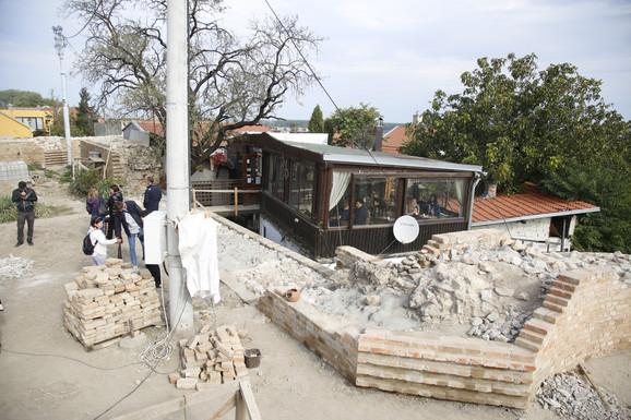 Odloženo rušenje kuće i kafane