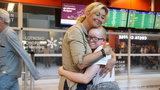 Adoptowana córka Martyny przyleciała do Polski. Mamy zdjęcia!
