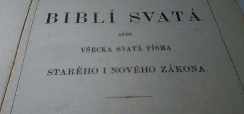 XVIII-wieczna biblia na śmietniku. Kto mógł zrobić coś tak głupiego?