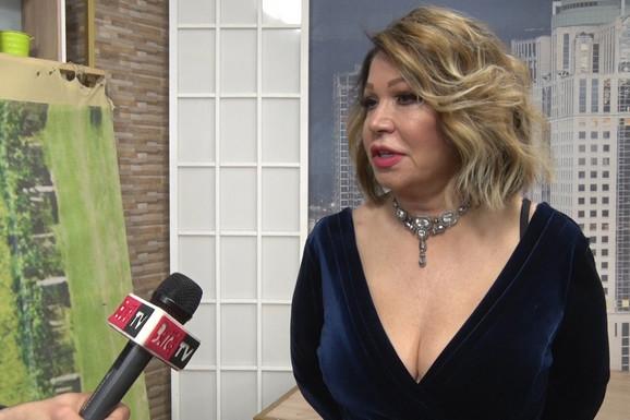 JEDVA ZADRŽALA SUZE Neda Ukraden drhtavim glasom progovorila o smrti majke (VIDEO)