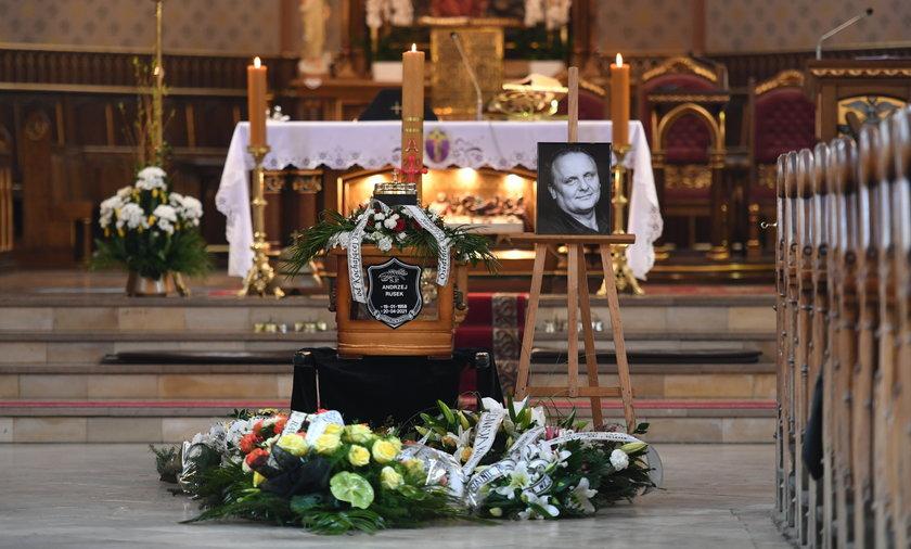 Pogrzeb Andrzeja Ruska w Katowicach. Był legendarnym basistą