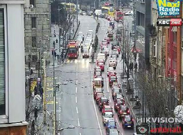 Velike kolone u Takovskoj ulici