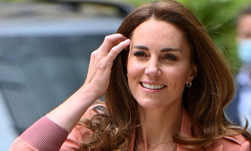 Księżna Kate w każdej ciąży prezentowała się niezwykle stylowo