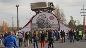 Ta ciężarówka pokonała najwyższą przeszkodę na świecie