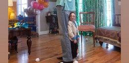 Jest jednym z najmniejszych ludzi na świecie. Skończył 28 lat, a miał dawno nie żyć