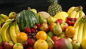 Should fruit be eaten before or after meals? Find out here
