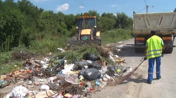 Smeće, divlja deponija u Bariču, Obrenovac