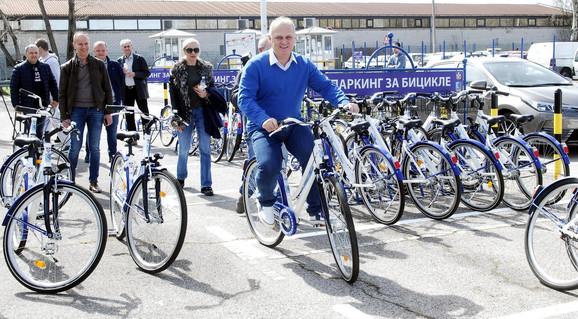 Goran Vesić najavio 250 novih parkinga za bicikliste