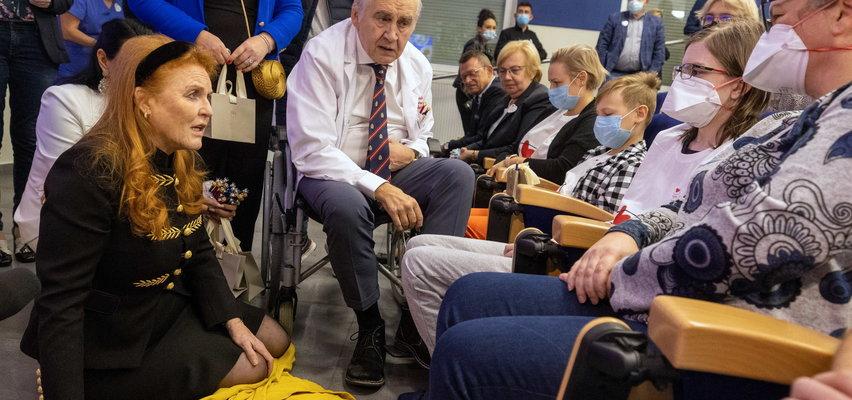 Niezwykła wizyta w Zabrzu: Księżna Yorku uklękła przed  pacjentami