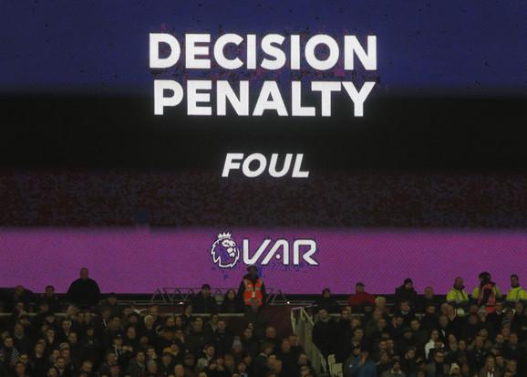 VAR odluka o penalu