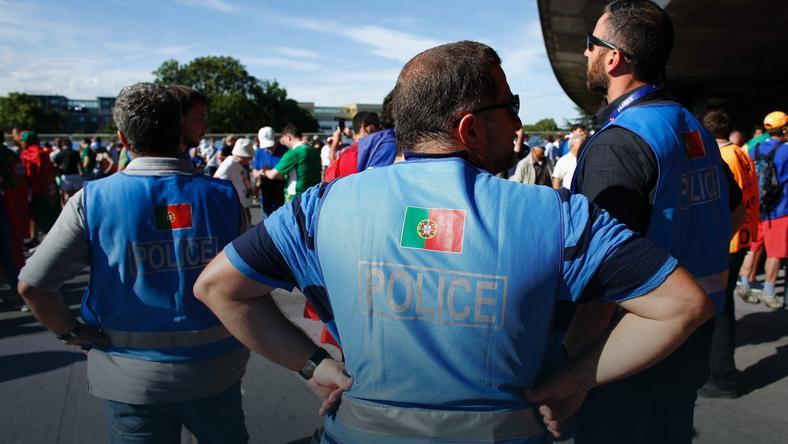 Policja przed Stade de France