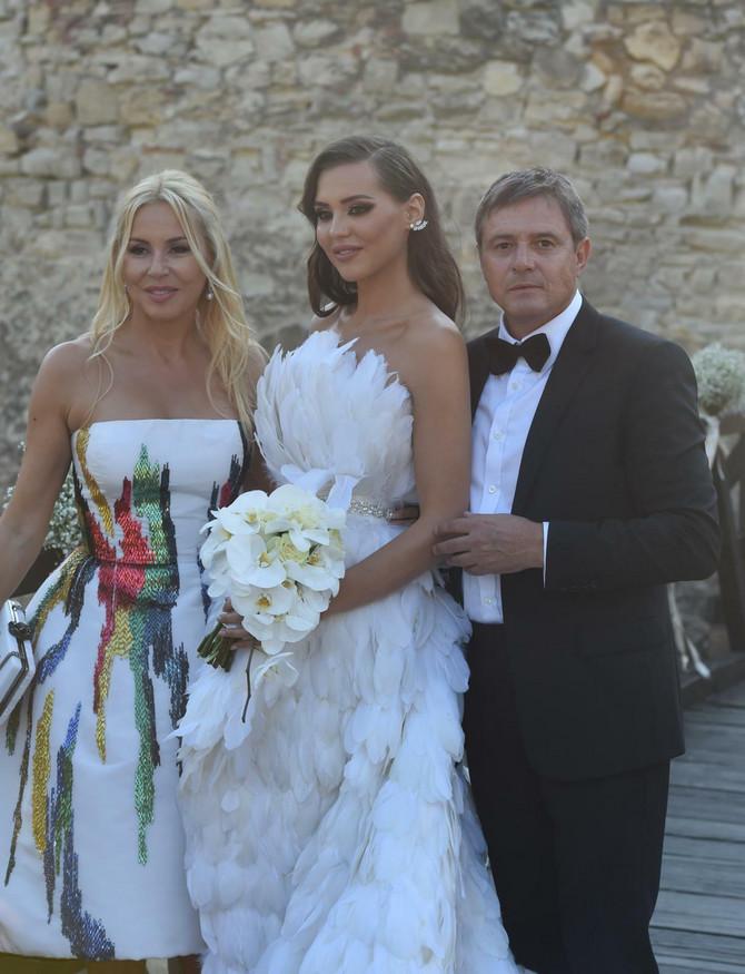 Anja Valente sa roditeljima