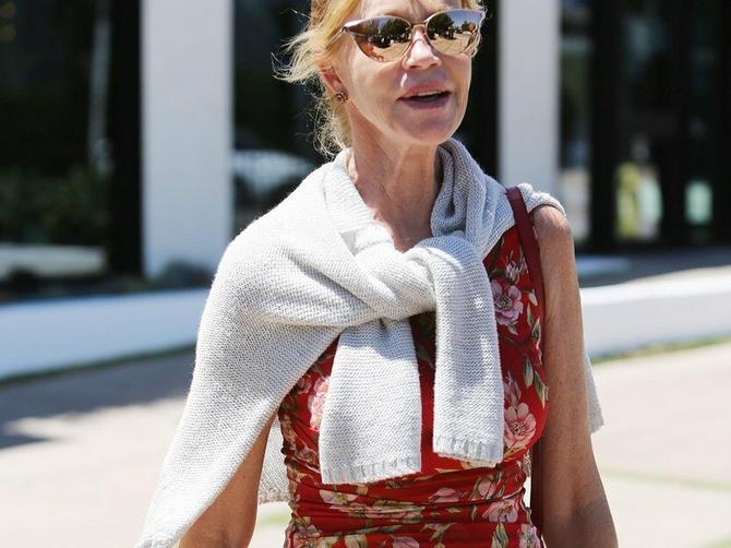 Borba Melani Grifit sa rakom se nastavlja: OVE SLIKE zabrinule njene fanove