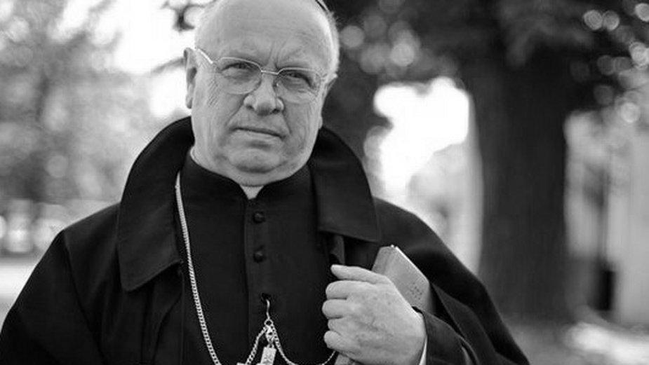 Biskup Józef Zawitkowski