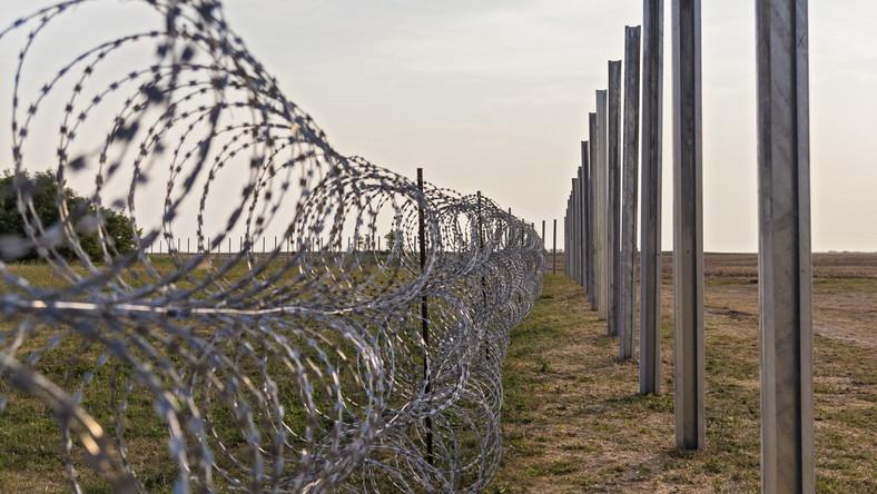 Płot na granicy węgierskiej