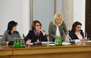 Emerytury Dudy w Sejmie: Związki apelują o podwyżki i uwzględnienie stażu pracy