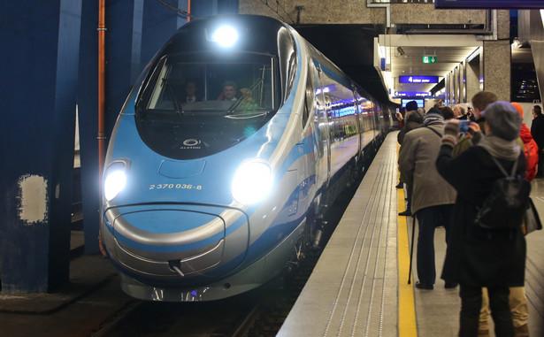 Niestety, poza nielicznymi przypadkami (takimi jak remonty torów na danej linii czy wyjątkowo ostra zima) przewoźnicy kolejowi nie honorują biletów konkurencyjnej spółki.