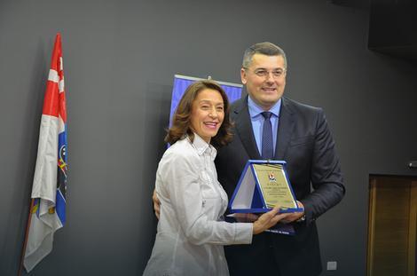 Tanja Petrović sa predsednikom Savićem
