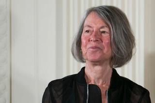 Louise Glück: słusznie nagrodzona, ale nie była faworytką
