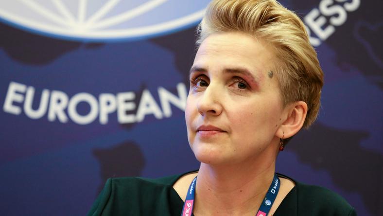 """Zdaniem Schmidt, """"kobiety, szczególnie w Polsce, traktowane są w sposób brutalny, i to nie tylko dotyczy polityczek"""