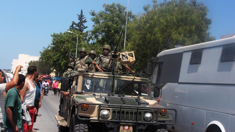 Tunezyjskie służby bezpieczeństwa na ulicach Sousse