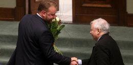 Prof. Szumowski ocalony. Czego nie mówi minister?