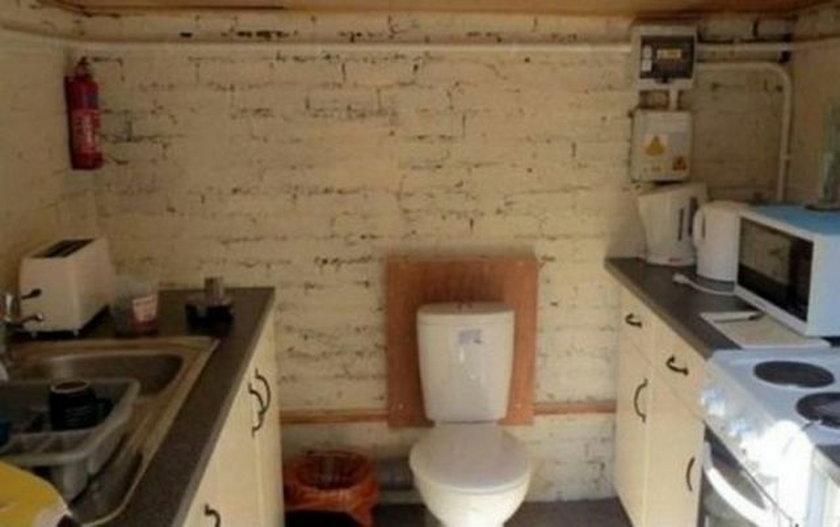 Toaleta w kuchni? Widać inaczej sięnie dało