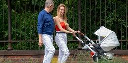 Izabela Janachowska na spacerze. Ile kosztuje ten wózek?