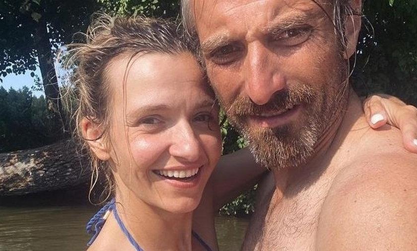 Joanna Koroniewska pozuje w bikini.