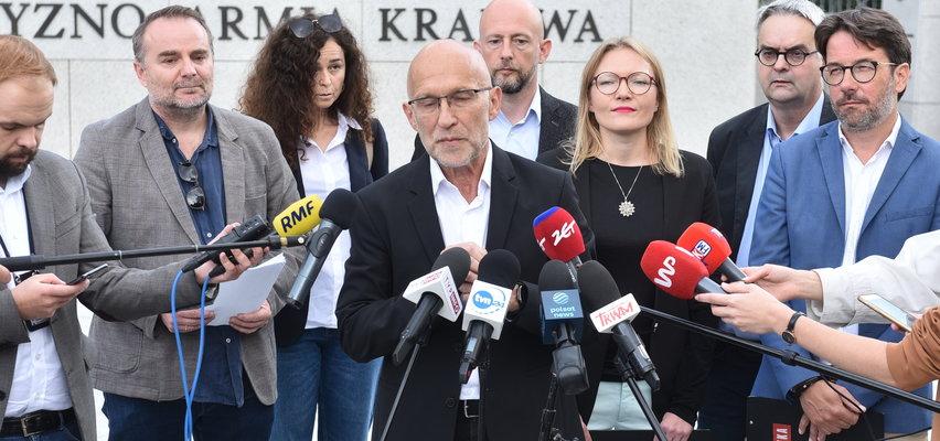 Dziennikarze na granicy. Naczelny OKO.press: Rządowi chodzi o to, żeby nie pokazywać uchodźców