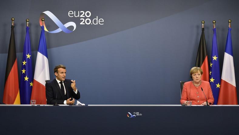 Emmanuel Macron i Angela Merkel na konferencji kończącej szczyt